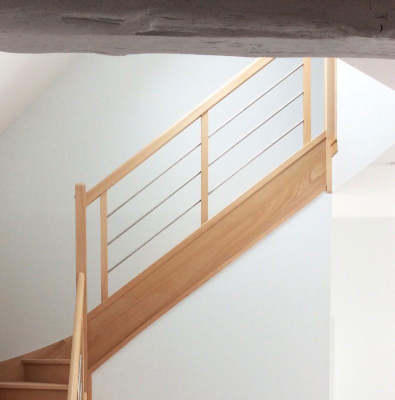 Garde-corps d'escalier sur-mesure, modèle contemporain
