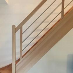 Escalier contemporain en bois et inox
