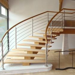 Escalier pour établissement recevant du public aux normes ERP