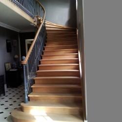Escalier sur-mesure en bois débillardé
