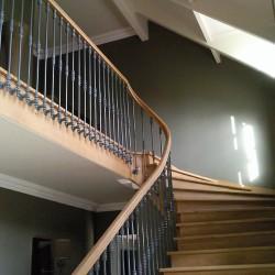 Escalier en bois débillardé sur-mesure