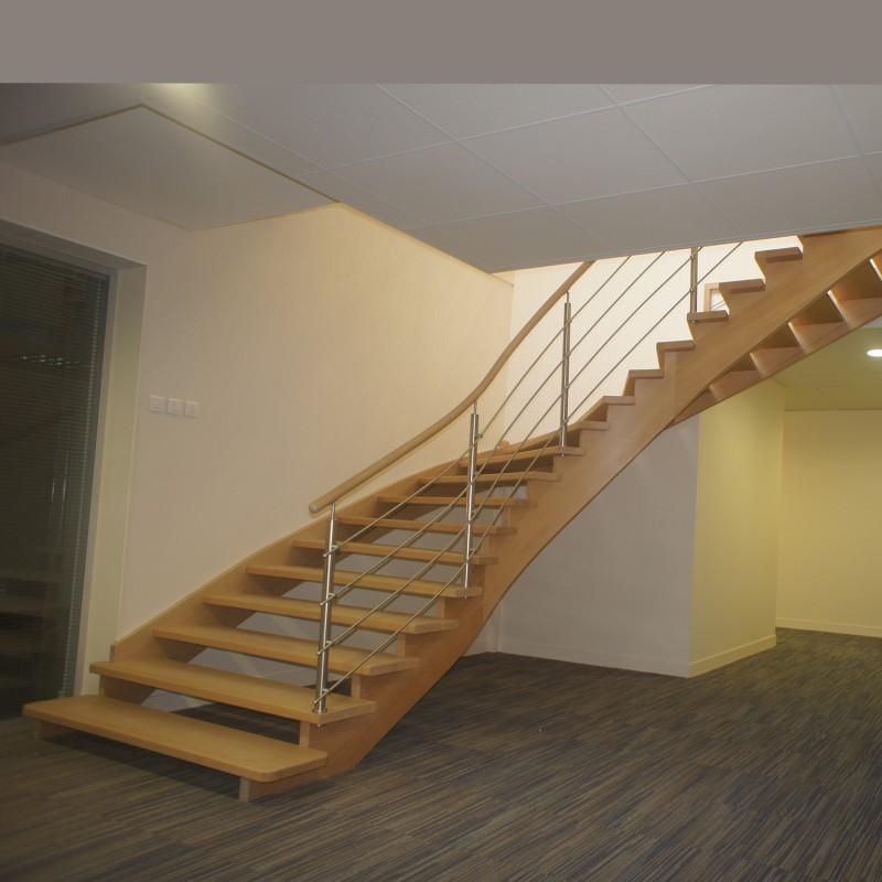 Escalier en bois à limon crémaillère sans contremarche
