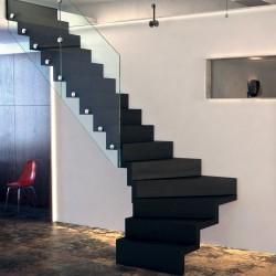 Escalier en bois sur-mesure à marches cascade