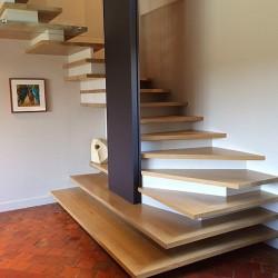 Escalier contemporain d'architecte en bois sur-mesure