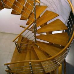 Escalier hélicoïdal en bois sur-mesure