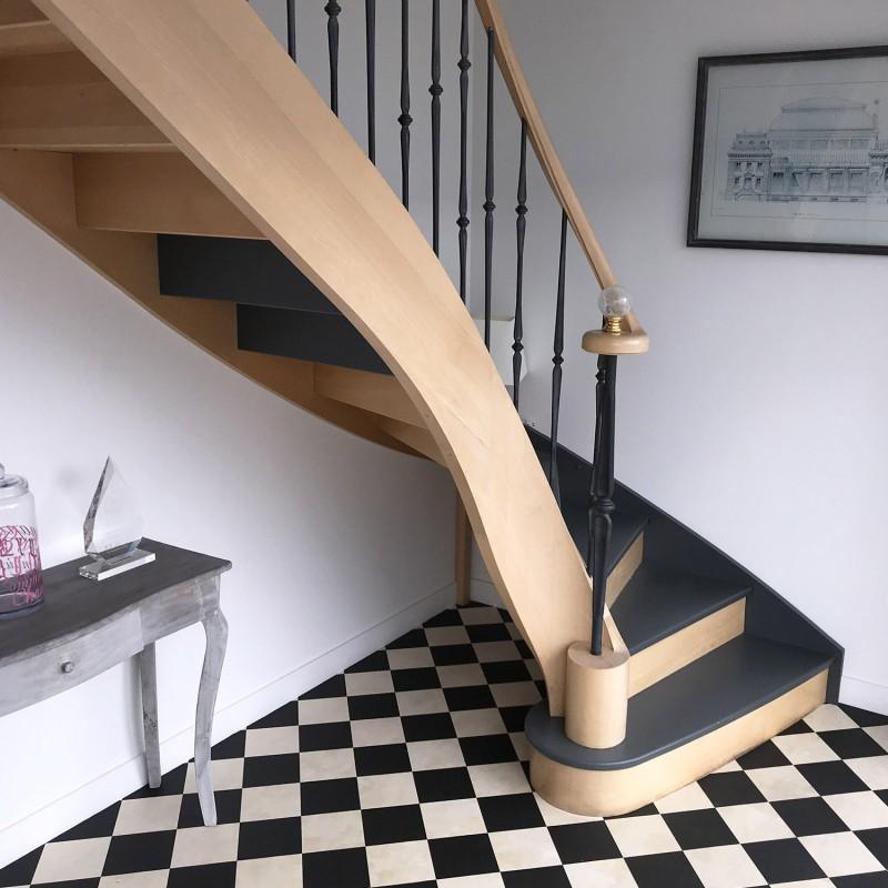 Escalier quart tournant en bois courbé et volute de départ