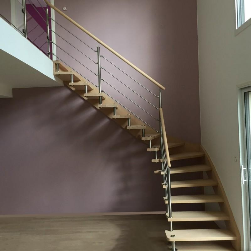 Escalier en bois contemporain à entretoises en inox