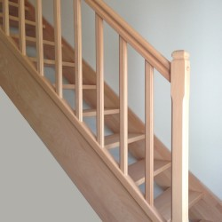 Garde-corps en bois traditionnel pour escalier modèle traditionnel