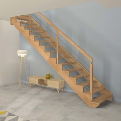 Escalier droit à limon crémaillère bois d'un côté et poteaux bois, modèle design sans contremarche