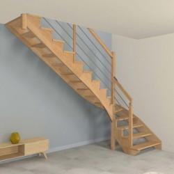 Escalier sur mesure à limon crémaillère bois d'un côté et poteaux bois, modèle design | Oéba