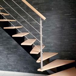 Garde-corps d'escalier sur-mesure en inox et bois
