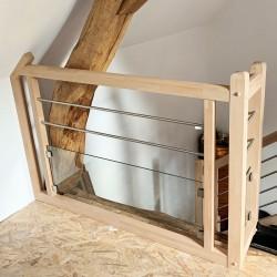 Garde-corps sur-mesure pour escalier contemporain avec potelets intermédiaires