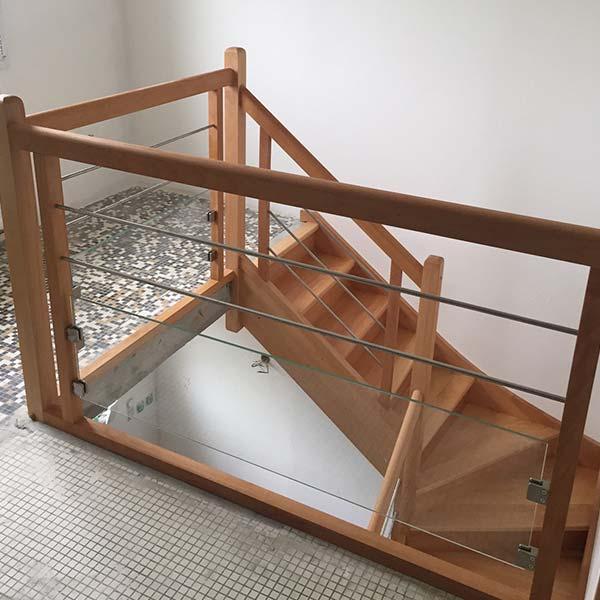 Escalier et garde-corps contemporain en bois et inox