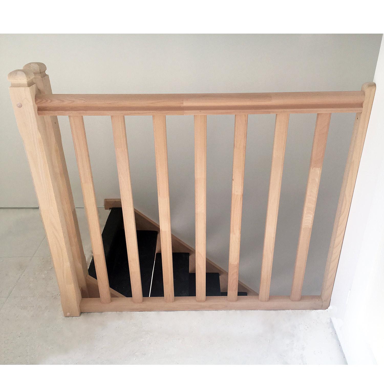 Garde-corps étage en bois traditionnel
